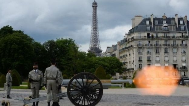 Twenty-one cannon blasts were heard across Paris as a formal salute for the new leader
