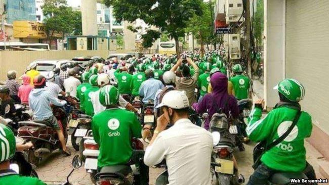 Tài xế Grabbike đình công ở thành phố Hồ Chí Minh. (Ảnh: VTC)