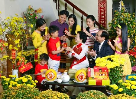 Vợ Việt chồng Tây ăn Tết - Kỳ 2: Cô dâu Việt 'vui sao nước mắt lại trào' - ảnh 6