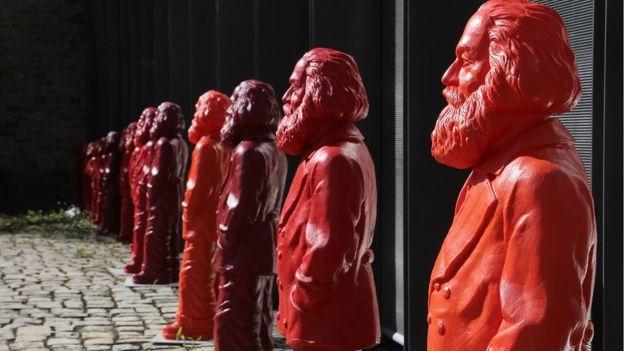Tượng Karl Marx