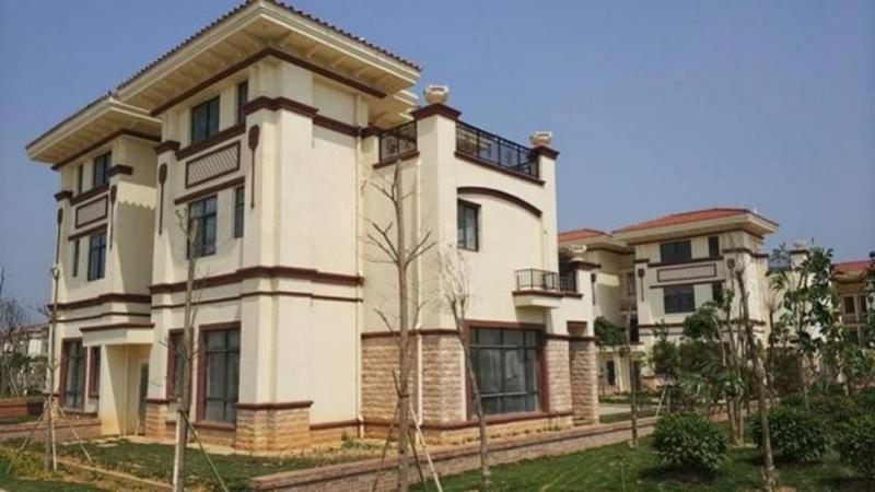 Tỷ phú Trung Quốc chi 32 triệu USD xây hàng trăm biệt thự tặng dân làng