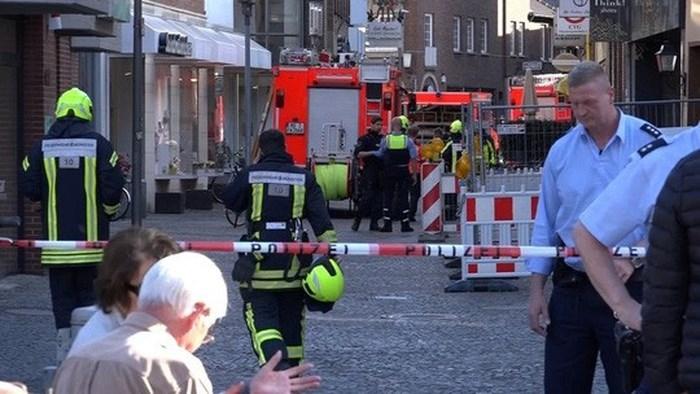Cảnh sát phong tỏa hiện trường. Ảnh: Reuters