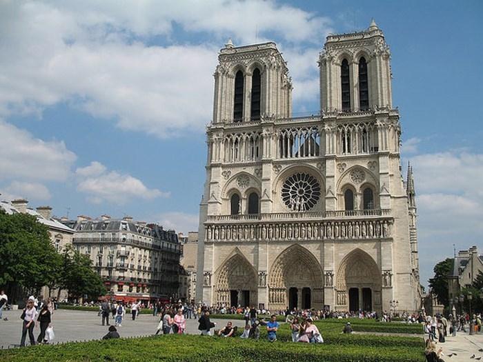 Những địa danh du lịch nổi tiếng ở châu Âu nên khám phá trong mùa hè - Ảnh 1