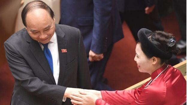 Thủ tướng Việt Nam (trái) Nguyễn Xuân Phúc