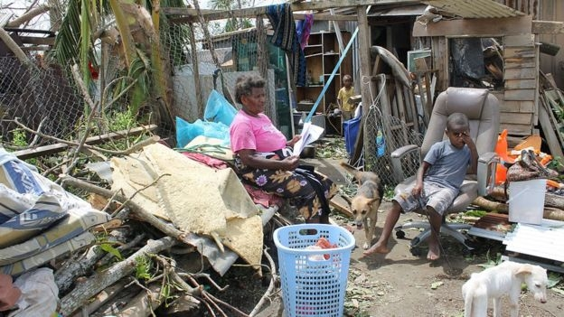 Là một đảo quốc còn nghèo đói ở nam Thái Bình Dương, Vanuatu thường xuyên chịu những thiên tai như động đất, bão nhiệt đới