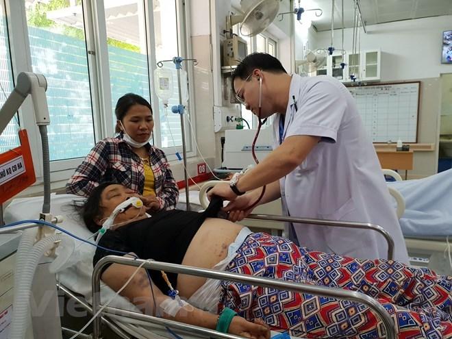 Bệnh nhân Nguyễn Thị Xuyến tại Bệnh viện Bạch Mai. (Ảnh: T.G/Vietnam+)
