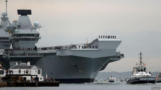 Từng có tin hàng không mẫu hạm HMS Queen Elizabeth có thể được triển khai tới Biển Đông.