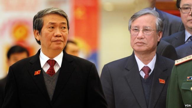 Ông Đinh Thế Huynh và ông Trần Quốc Vượng.