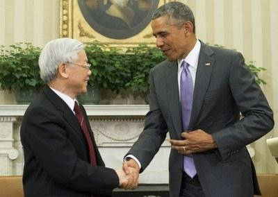 TBT Nguyễn Phú Trọng gặp cựu TT Hoa Kỳ Barack Obama trong chuyến viếng thăm Nhà Trằng năm 2015