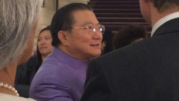Tỷ phú Charoen Sirivadhanabhakdi đã làm chủ một loạt tập đoàn kinh doanh ở Thái Lan