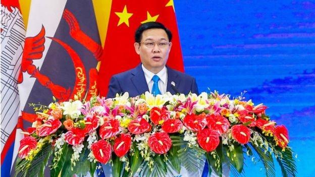 Phó thủ tướng Việt Nam Vương Đình Huệ phát biểu tại China-ASEAN Expo lần thứ 15 tại Nam Ninh, Trung Quốc hồi tháng 9