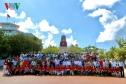 Kiều bào mang tình cảm của người Việt 5 châu tới Trường Sa