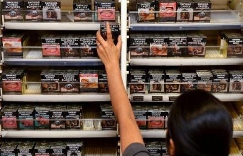 Hai phần ba những người bán thuốc lá chưa sẵn sàng với qui định mới
