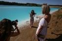 Bất chấp nước nhiễm độc, du khách đổ xô đến hồ 'Maldives của Nga'