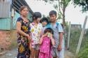 3 đứa trẻ bán vé số phụ bà nuôi ông