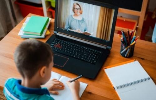 Séc: Nguy cơ hình thành một bộ phận thế hệ trẻ khiếm khuyết kiến thức thời covid
