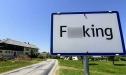 Ngôi làng đổi tên vì 'quá tục'