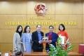 Trao quà tặng của Thủ tướng Chính phủ cho người Việt tại CH. Czech
