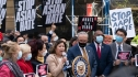 Ở Mỹ, nhân viên y tế gốc Á vừa chống dịch vừa chống phân biệt chủng tộc