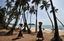 Hứng chỉ trích vì 'bán' đất cho Trung Quốc xây cảng