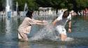 Nga đón đợt nắng thiêu đốt nhất 120 năm, xem xét giảm giờ làm để tránh nóng