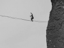 Ngôi làng kỳ lạ ở Nga, nơi mọi người đều có thể đi trên dây
